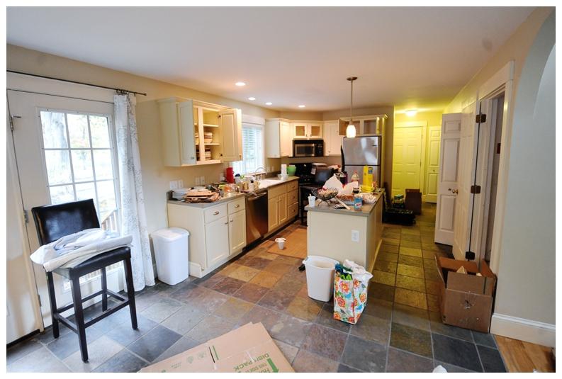kitchen 4064.JPG